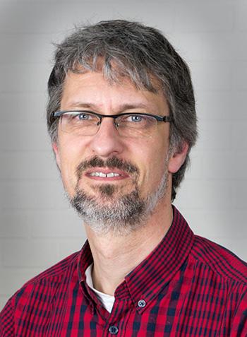 Dr. André Brust